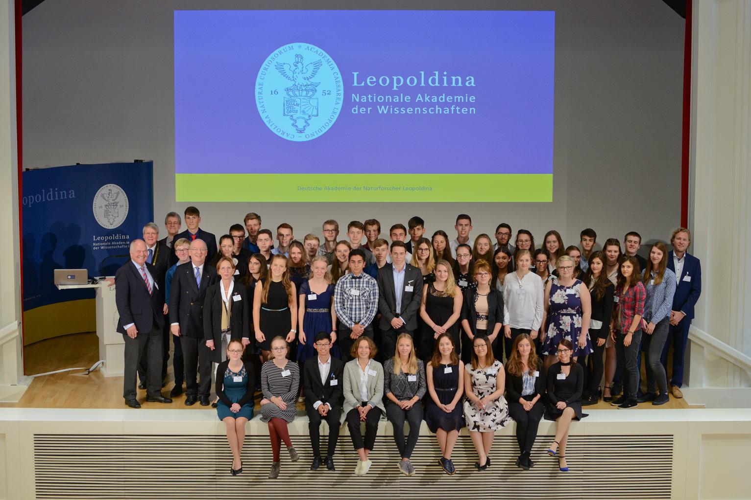 Schueler in Leopoldina 2017 mit GDNAE